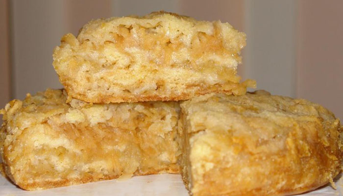 Пирог с вареньем из яблок