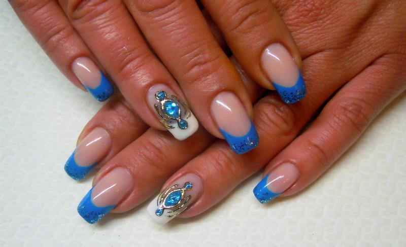 Ногти дизайн френч с жидким камнем