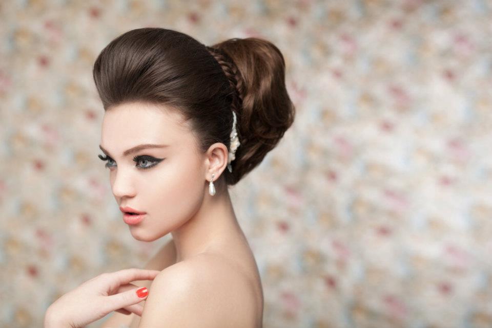 Прически бабетта с начесом снова в моде: 12 фото woman's day.