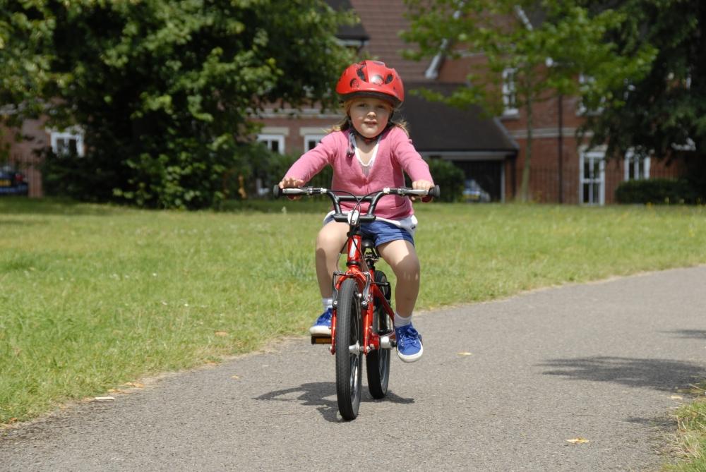 как научить ребенка кататься на велосипеде двухколесном в 4