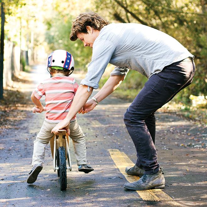 как правильно учить ребенка кататься на двухколесном велосипеде