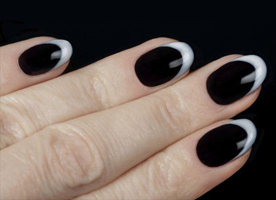 Черный с белым маникюр