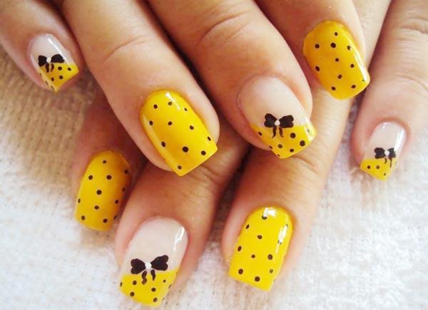 Рисунок на ногтях желтым