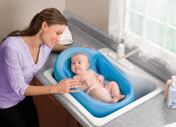 Как часто купать ребенка до года
