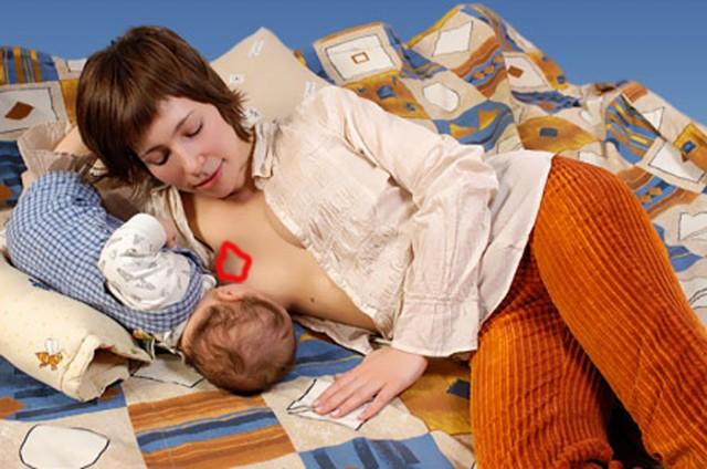 фото как мать отсасала сыну под самый гланды