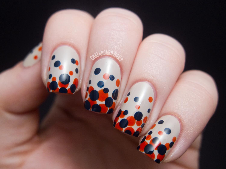 Ногти с точками дизайн