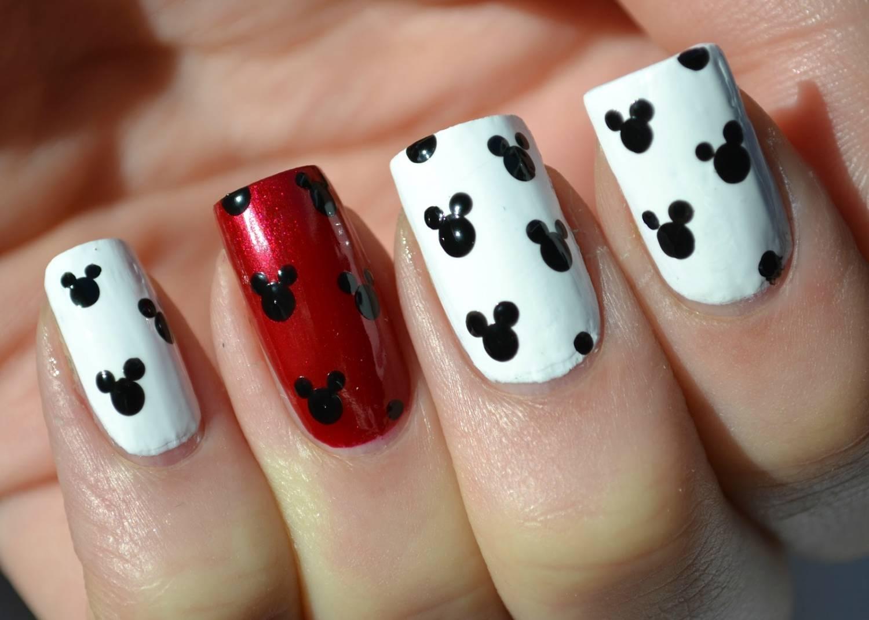 Фото дизайна ногтей с микки маусом