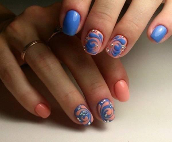 Дизайн с акриловой пудрой на ногтях