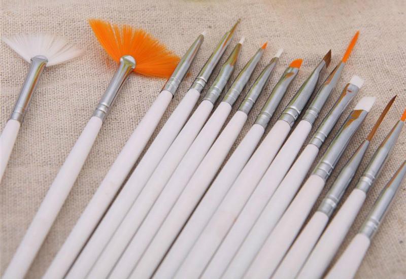 Кисти для рисования цветов