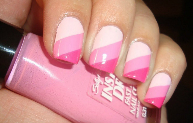 Лак для ногтей розовый с белым дизайн