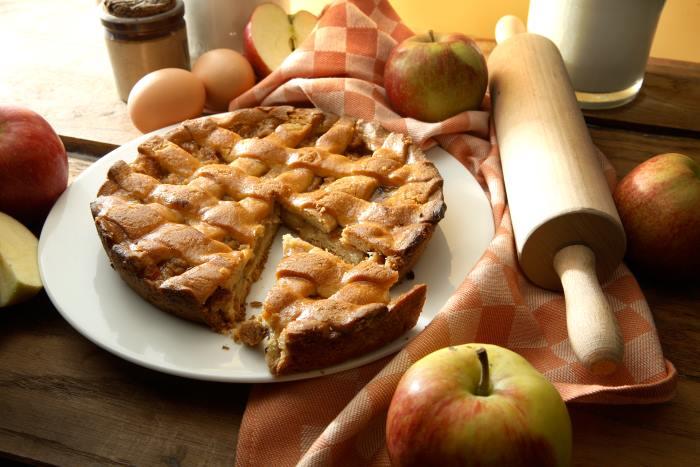 Пирог с яблоками грушами и виноградом