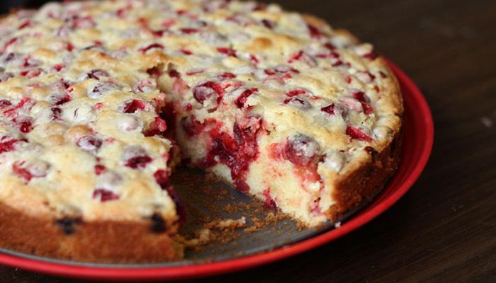 Яркий пирог с брусникой за 20 минут!