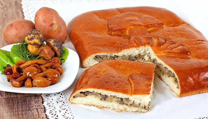 Пирог с шампиньонами и картофелем