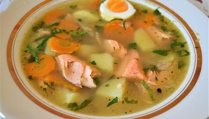 Вкусный суп с красной рыбой