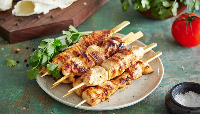 Шашлык из куриного филе: рецепты, как замариновать курицу для сочного шашлыка
