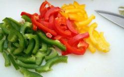 Салат с огурцами и обжаренным луком - рецепт пошаговый с фото