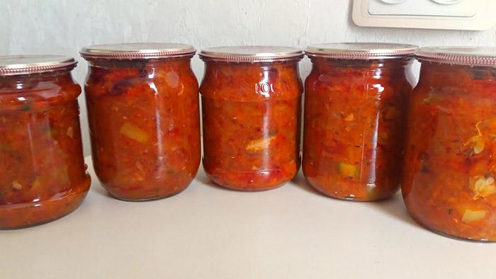 Салат из скумбрии на зиму — 6 рецептов    Как сделать скумбрию с овощами на зиму
