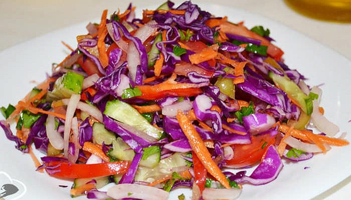 Салат из свежей краснокочанной капусты – 10 рецептов