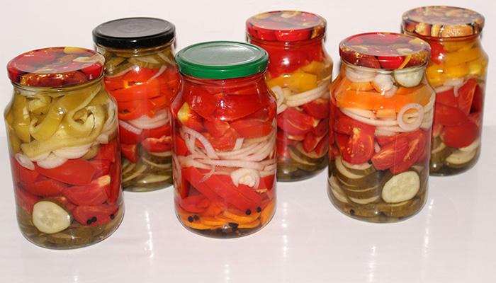 Помидоры дольками с луком и маслом на зиму рецепт с фото пошагово