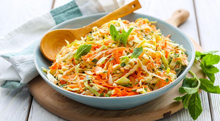 Капустный салат с морковью и уксусом как