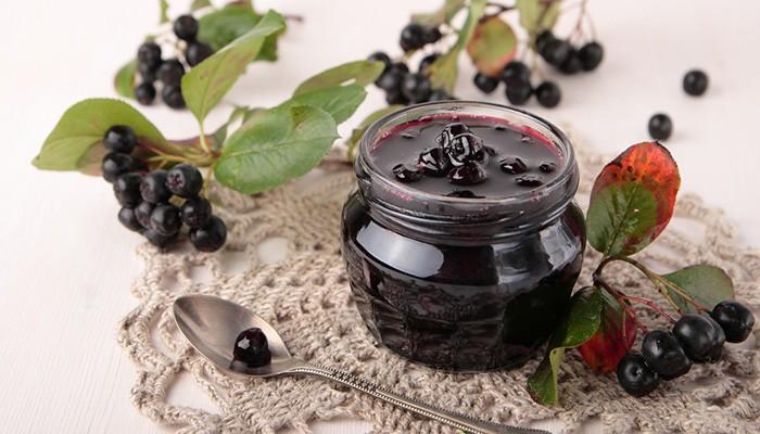 Варенье из сухой черноплодной рябины