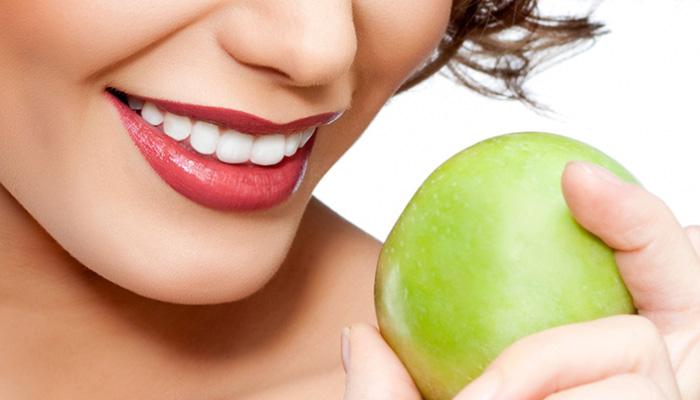 Отбеливание зубов: польза или вред. Сравнение методов