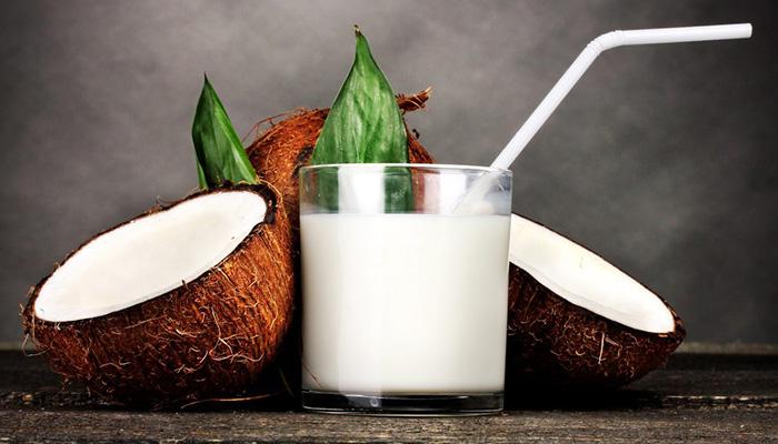 Кокосовое молоко - калорийность и свойства. Польза кокосового молока