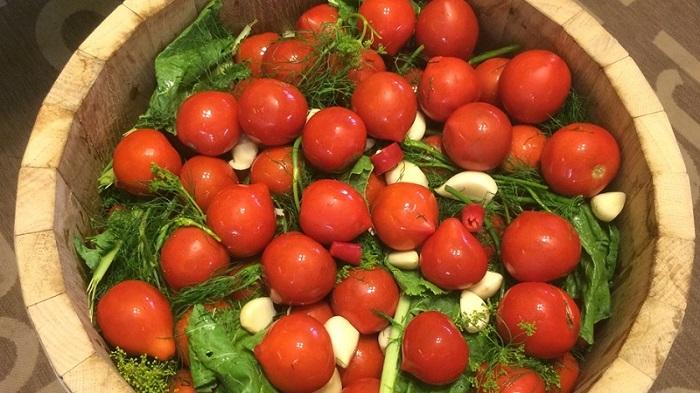 Засолка помидоров холодным способом с горчицей