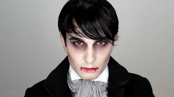 Как сделать грим вампира