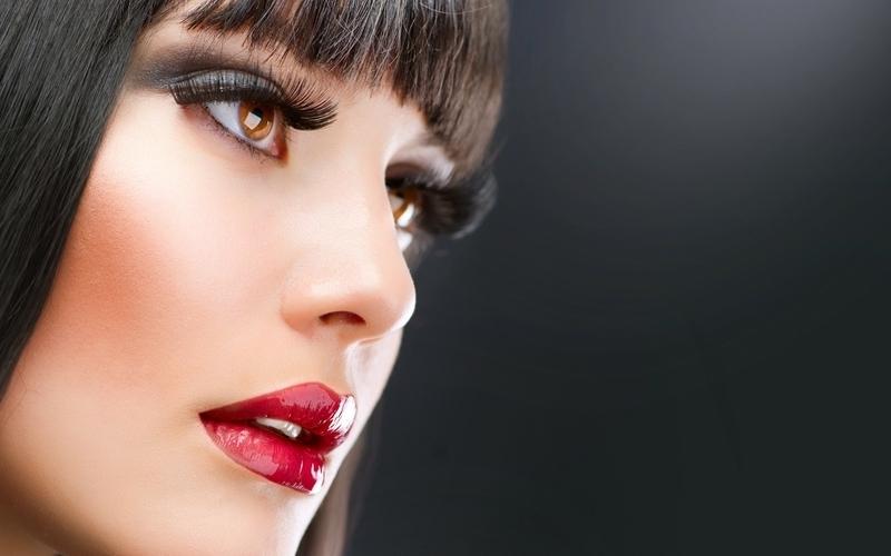 Макияж голубые глаза красная помада